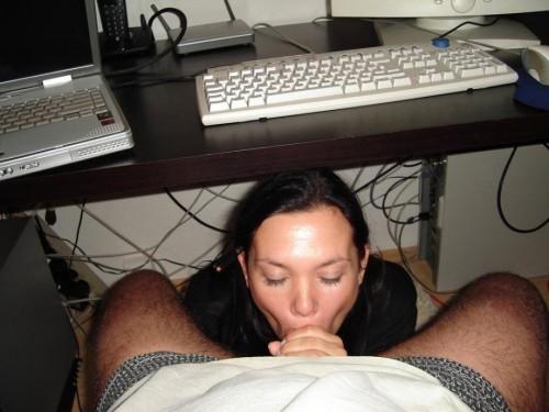 ado cul pipe sous le bureau