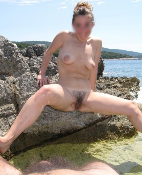 Une coquine nue